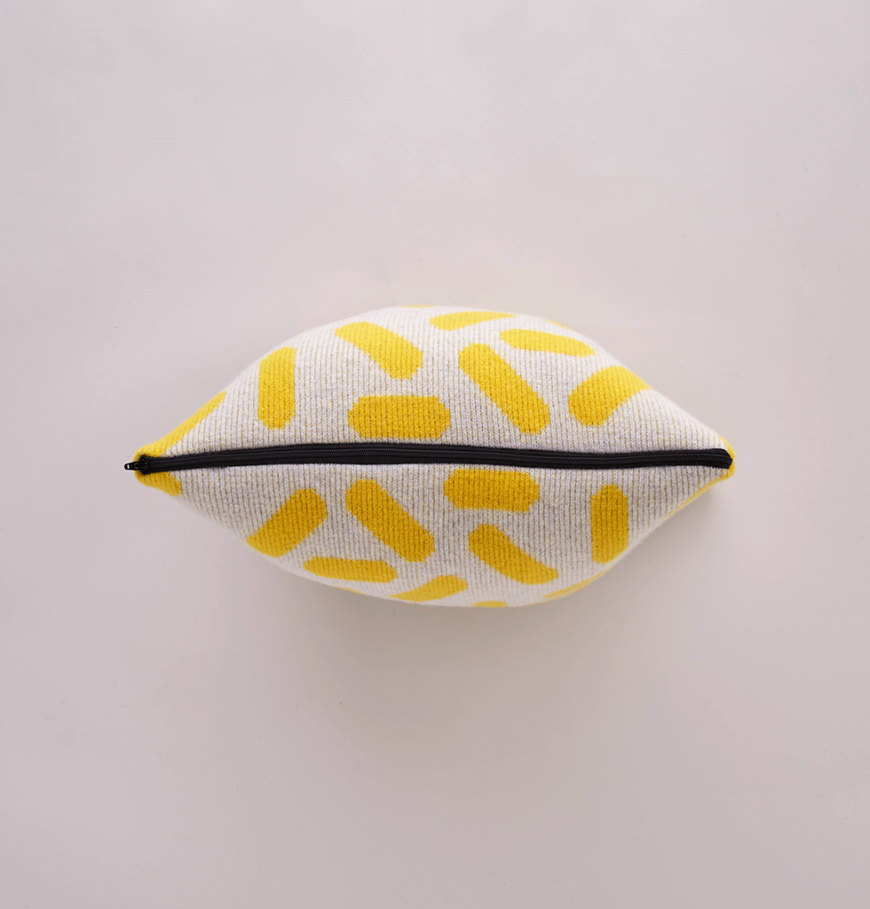 TIC-TAC CUSHION GREY & YELLOW SMALL