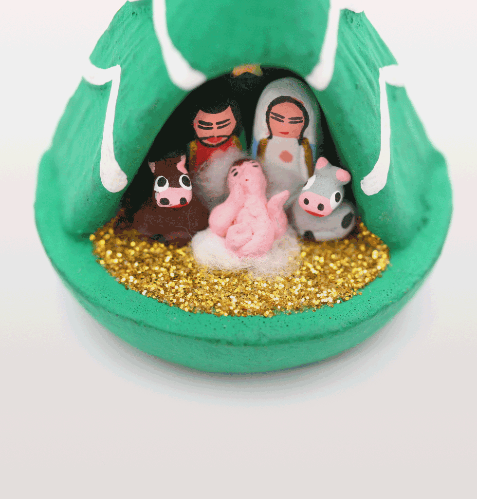 Mini Christmas Tree Nativity set