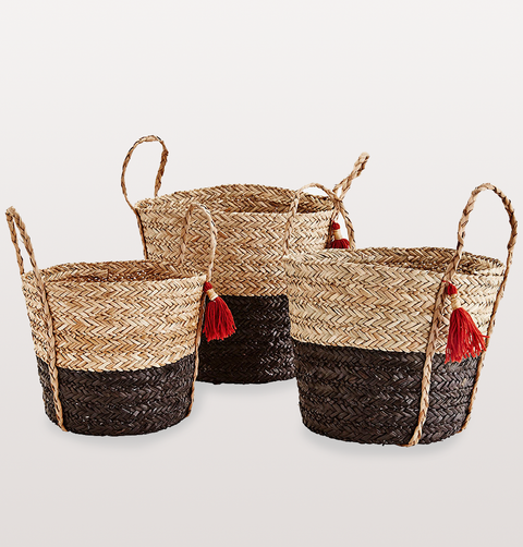 SMALL SEAGRASS WICKER BASKET WITH HANDLES AND TASSELS