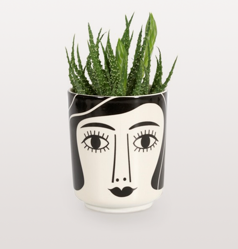 MRS SCHULTZ BLACK WHITE FACE POT