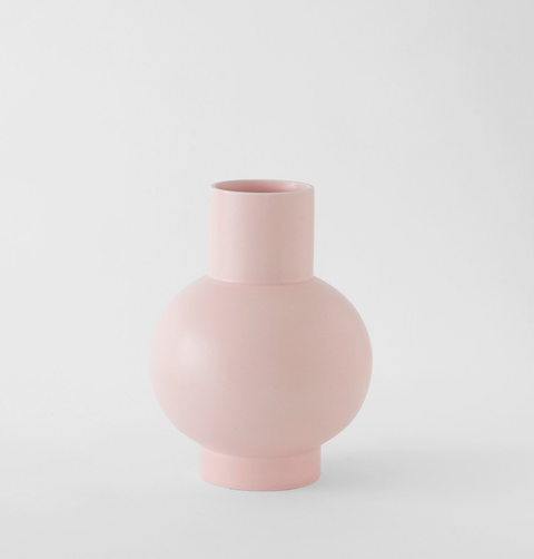 Pink ceramic flower vase by Raawii