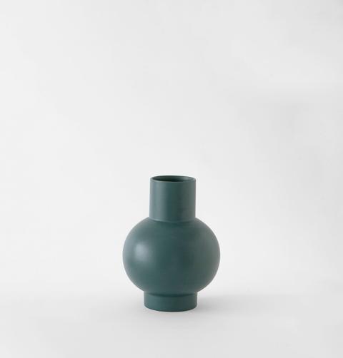 Dark green ceramic flower vase by Raawii