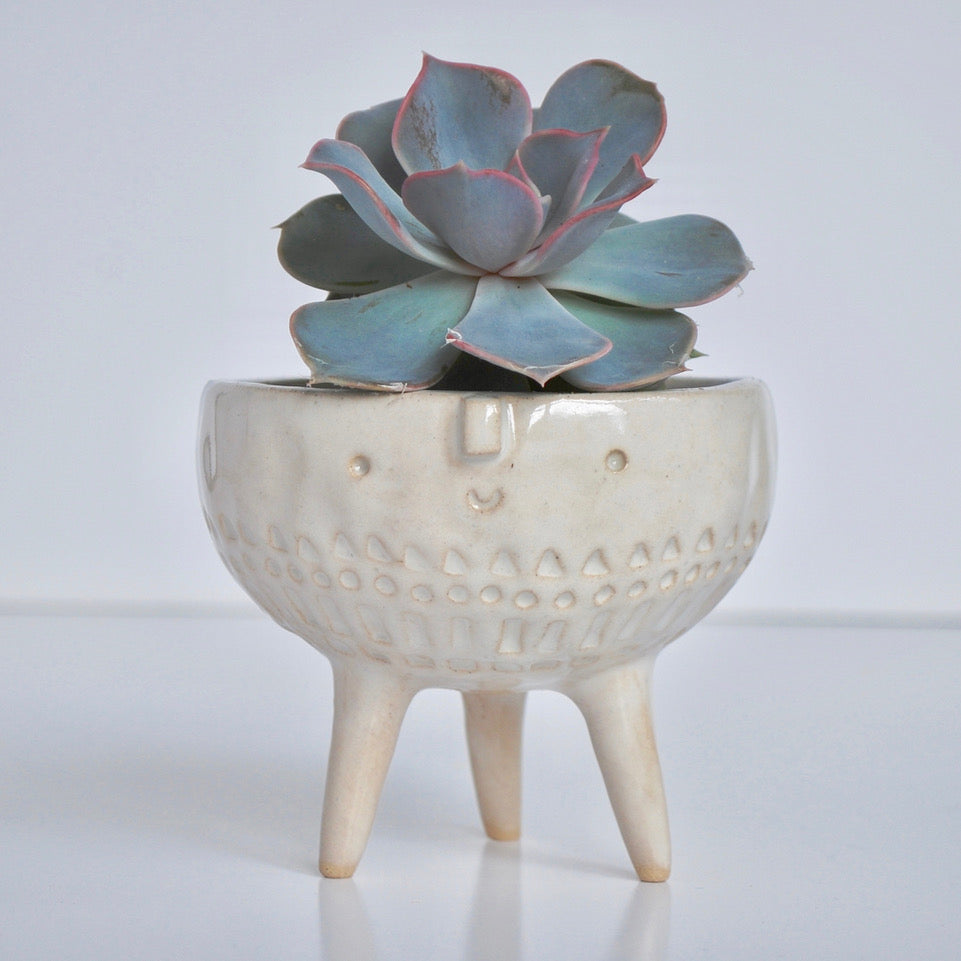 TRIPOD BOWL WHITE STAMPED
