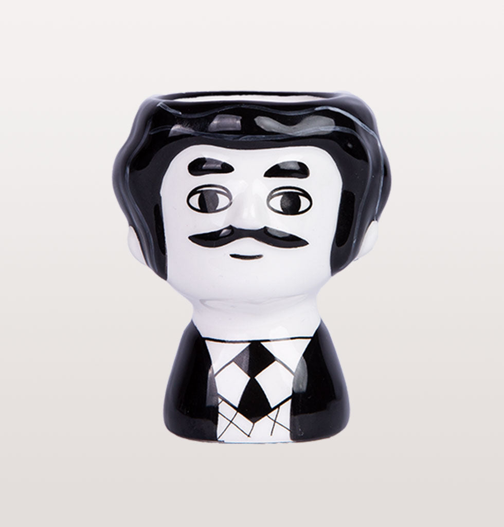 Kitsch Kitchen black and white Carlos shaped ceramic egg cup holder from wagreen.co.uk