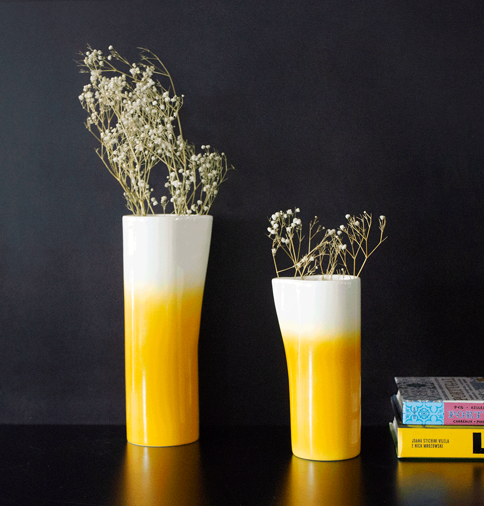 FLUA YELLOW AND WHITE OMBRE JUG WITH CORK LID BY DEDAL