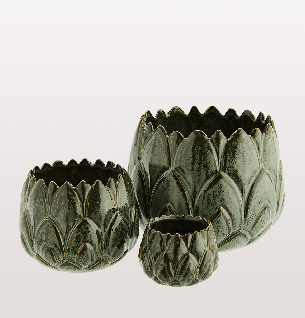 Artichoke shaped green flower pot planter set of three sizes Madam Stoltz