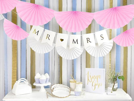 Tissue garland light pink Rosettes