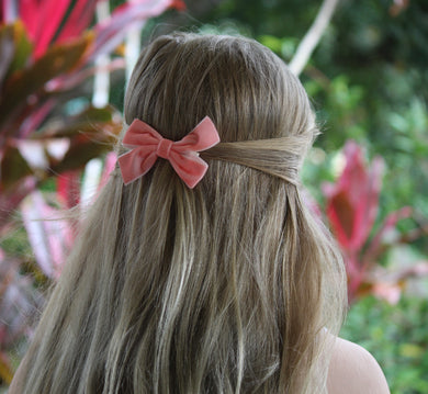 Quinn- Peach glitter bow, leatherette bow, fringe clip, butterfly bow, personalised bow, rainbow bow, dolly hair bow, floral bow, shimmer bow, pretty bow , Bow Handmade Hairbow, handmade hair accessories, Sweet Adalyn Sweet Adalyn