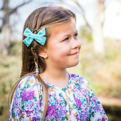 Quinn- Tiffany Blue glitter bow, leatherette bow, fringe clip, butterfly bow, personalised bow, rainbow bow, dolly hair bow, floral bow, shimmer bow, pretty bow , Bow Handmade Hairbow, handmade hair accessories, Sweet Adalyn Sweet Adalyn