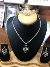 925 Sterling silver flowers set.