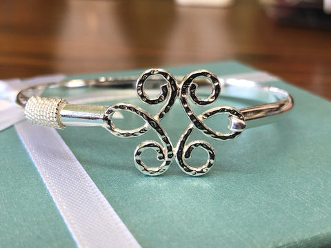 Sterling silver(925) flower kid's bracelets.