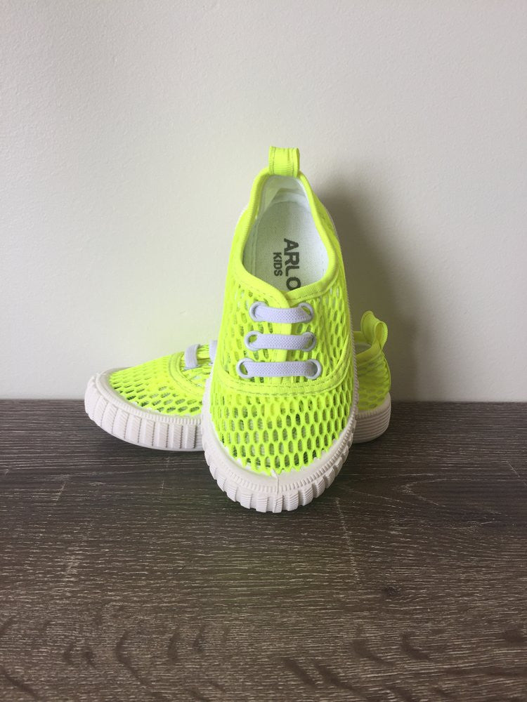 Fluro 'Walk On Water'