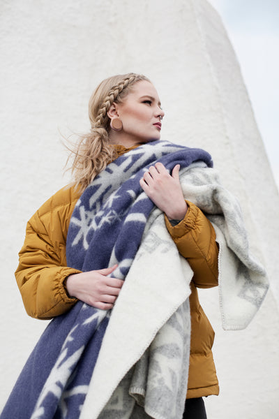 Nordic Strength Wool Blanket - Navy Blue