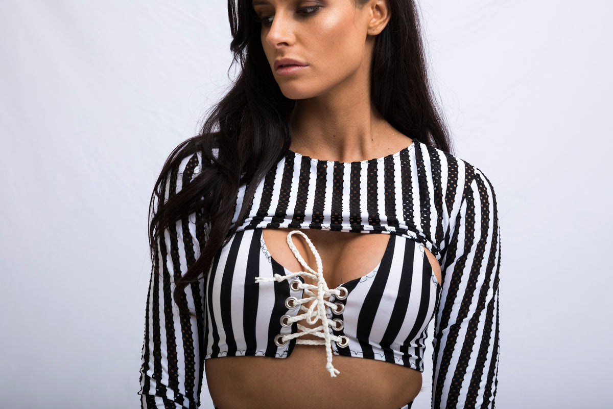 THE STRIPE LACE UP CROP