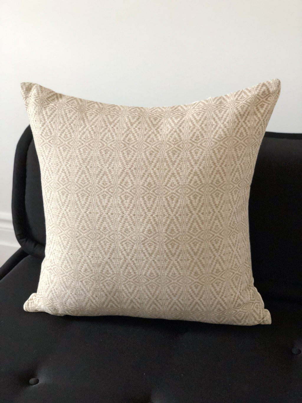 The Colima cushion cover