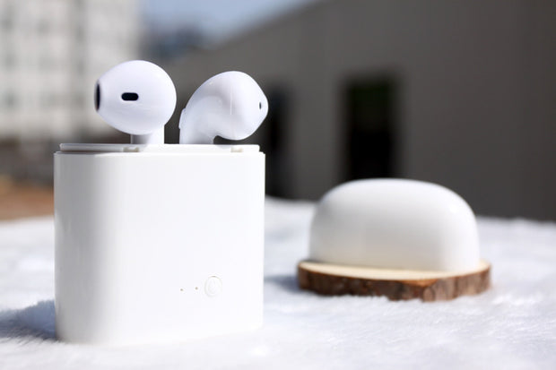 Wireless 2 Pods Earphones - Limited Edition for Iphone