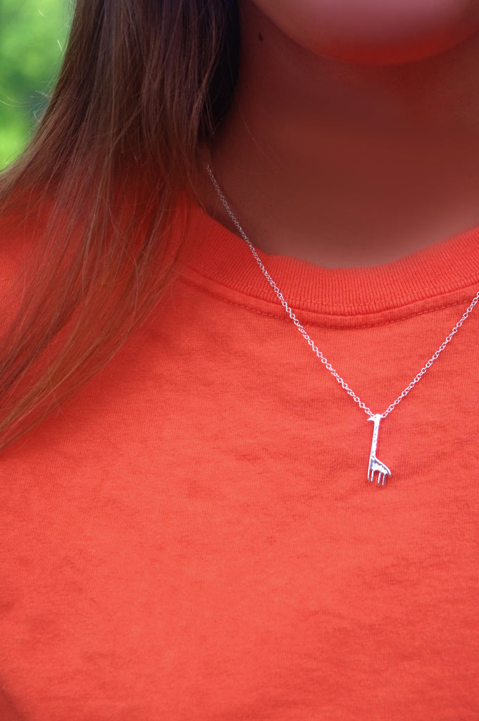 Giraffe Necklace (Silver)