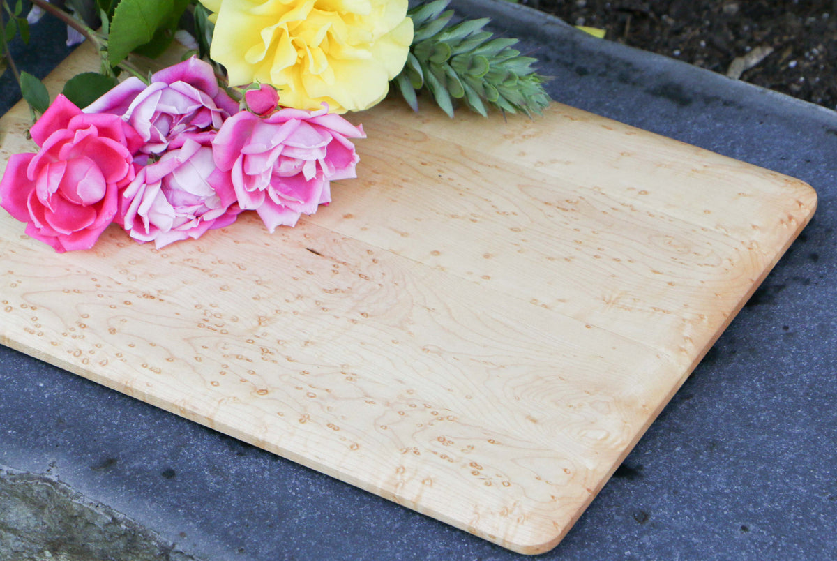 "Bird's Eye Eastern Hard Maple Cutting Board - 14"" x 11"" (Medium)"