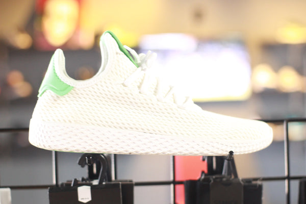 adidas Tennis HU condition: 8/10 (size 8.5)