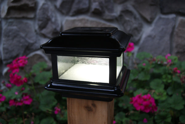 Black Colonial Solar Powered Outdoor Fence Cap Light