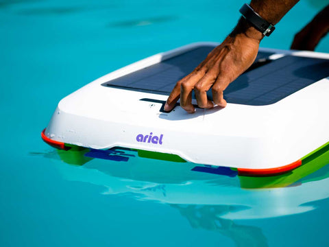 Ariel - Robotic Solar Pool skimmer by Solar-Breeze