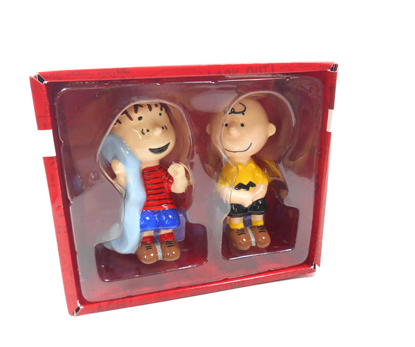 Peanuts Snoopy Linus and Charlie Brown Sitting Ceramic Salt and Pepper Shakers Set