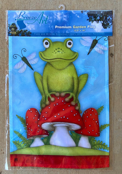 Breeze Art Frog On Toadstool Mushroom Premium Garden Flag 12.5 in by 18 inches