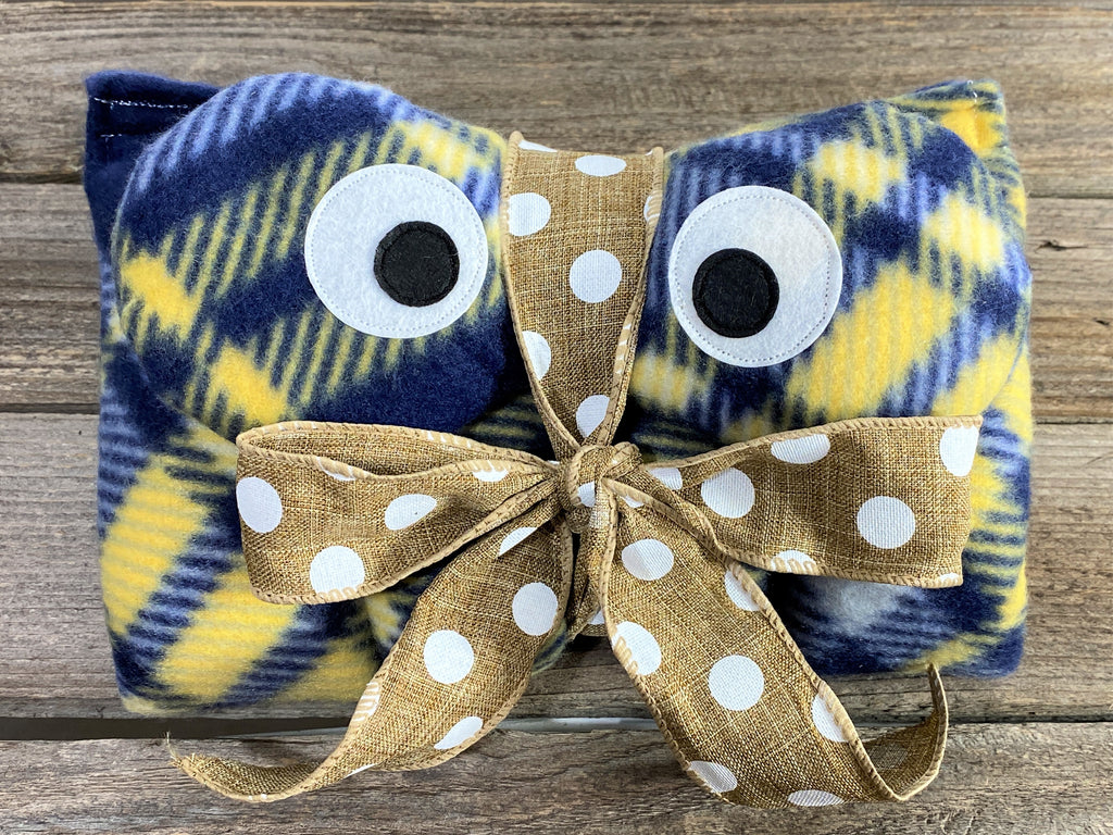Blue and yellow plaid eye mask and large pad for use in freezer or microwave