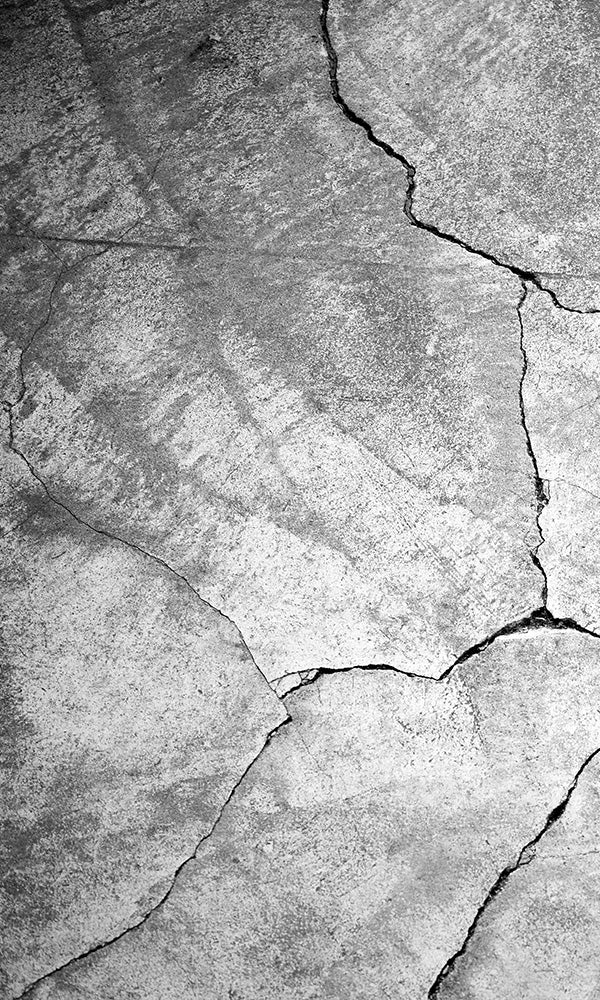 Cracked Concrete Wall 2001103