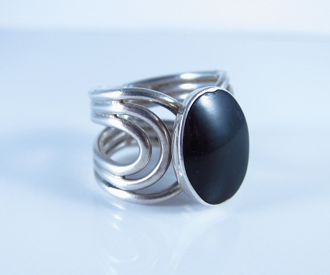 Vintage Black Onyx Ring-Sterling Silver Size 6