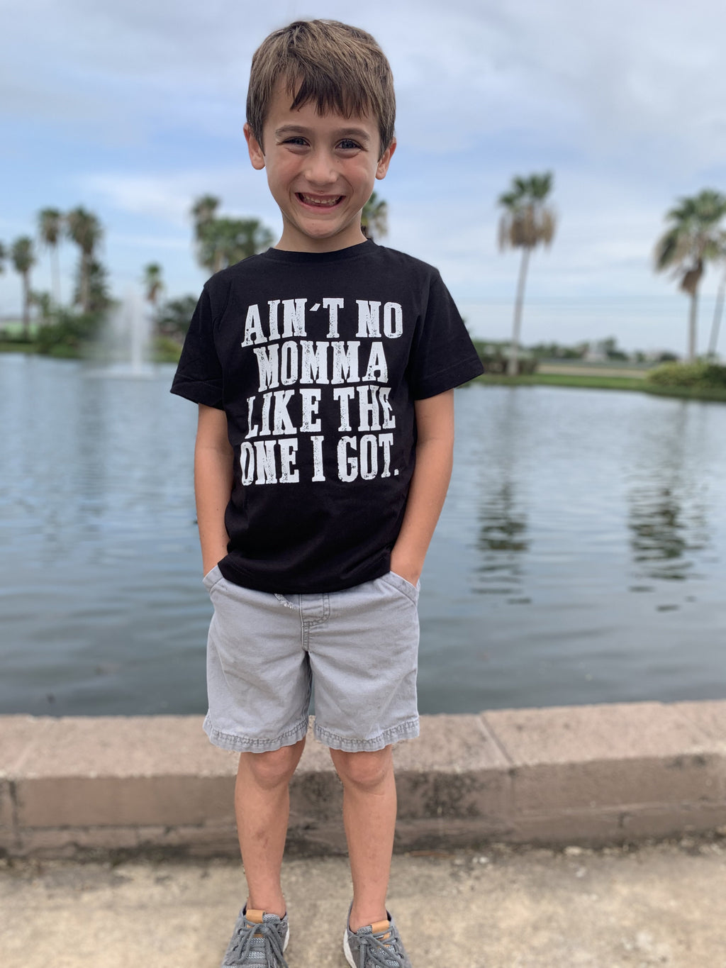 Aint No Momma Like the One I Got Kids T-shirt -  kiss-my-chic-boutique.myshopify.com