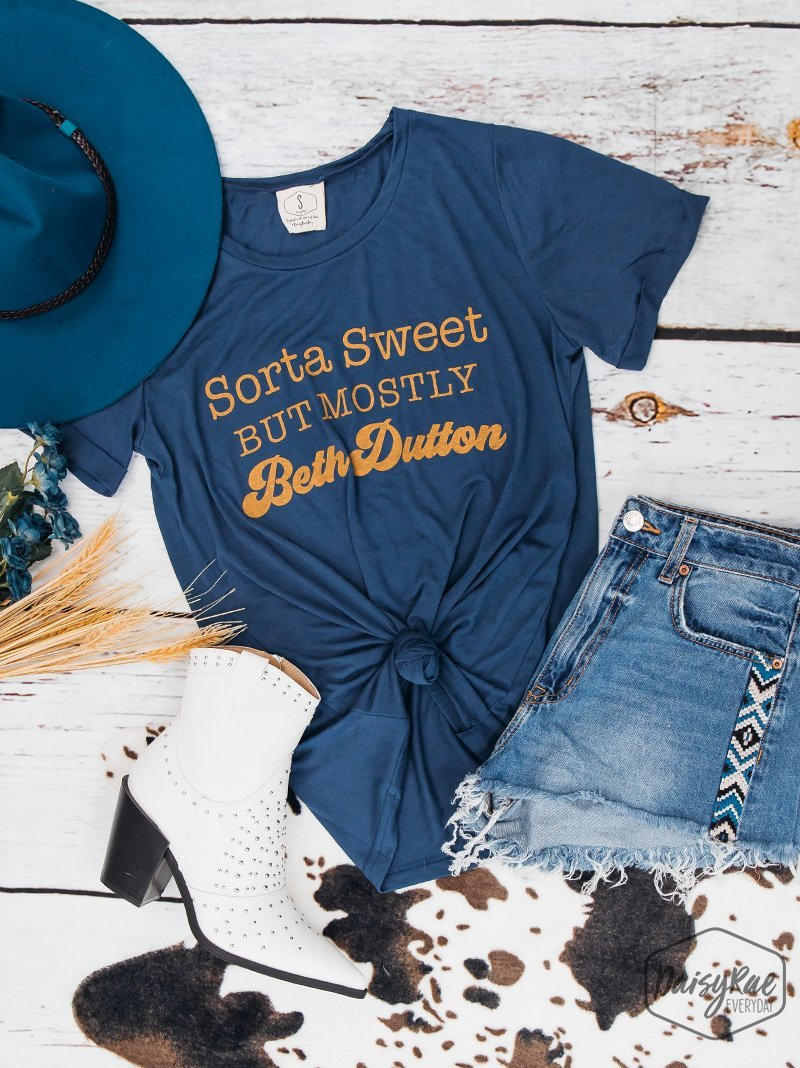 Sorta Sweet Tee - Kiss My Chic Boutique