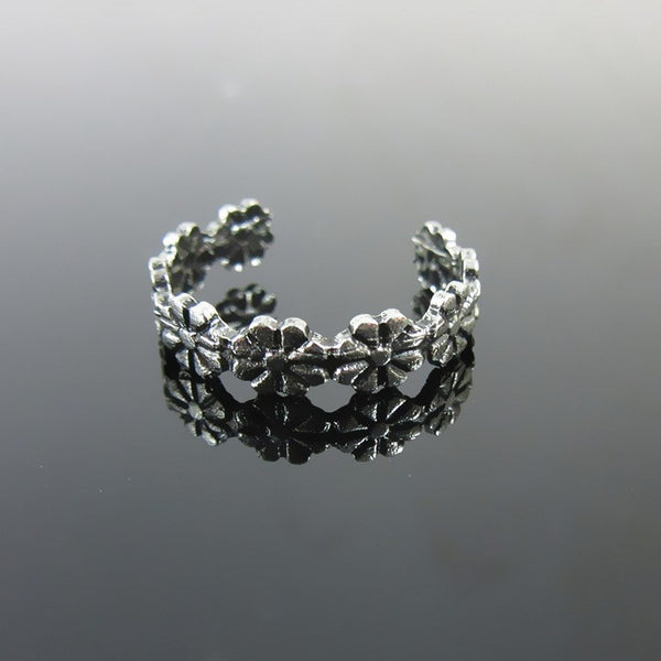 Antique Silver Plated Flower Garden Toe Ring - FeetyWeety