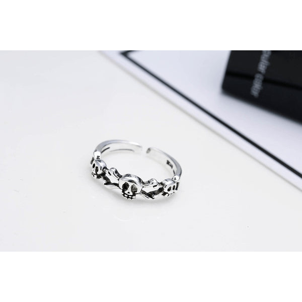 Sterling Silver Triple Skull Toe Ring - 925 - FeetyWeety