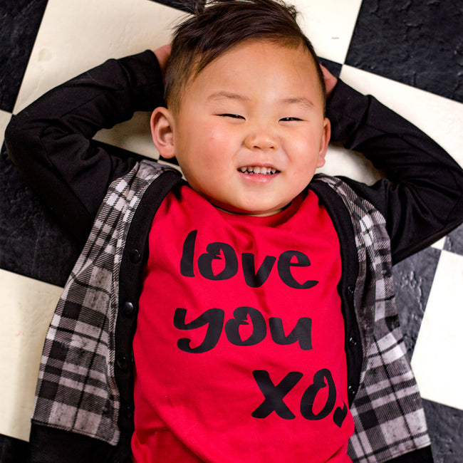 Love You XO Tee - Black Design