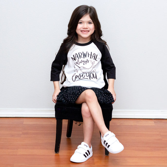 Love You XO Raglan - Black Design