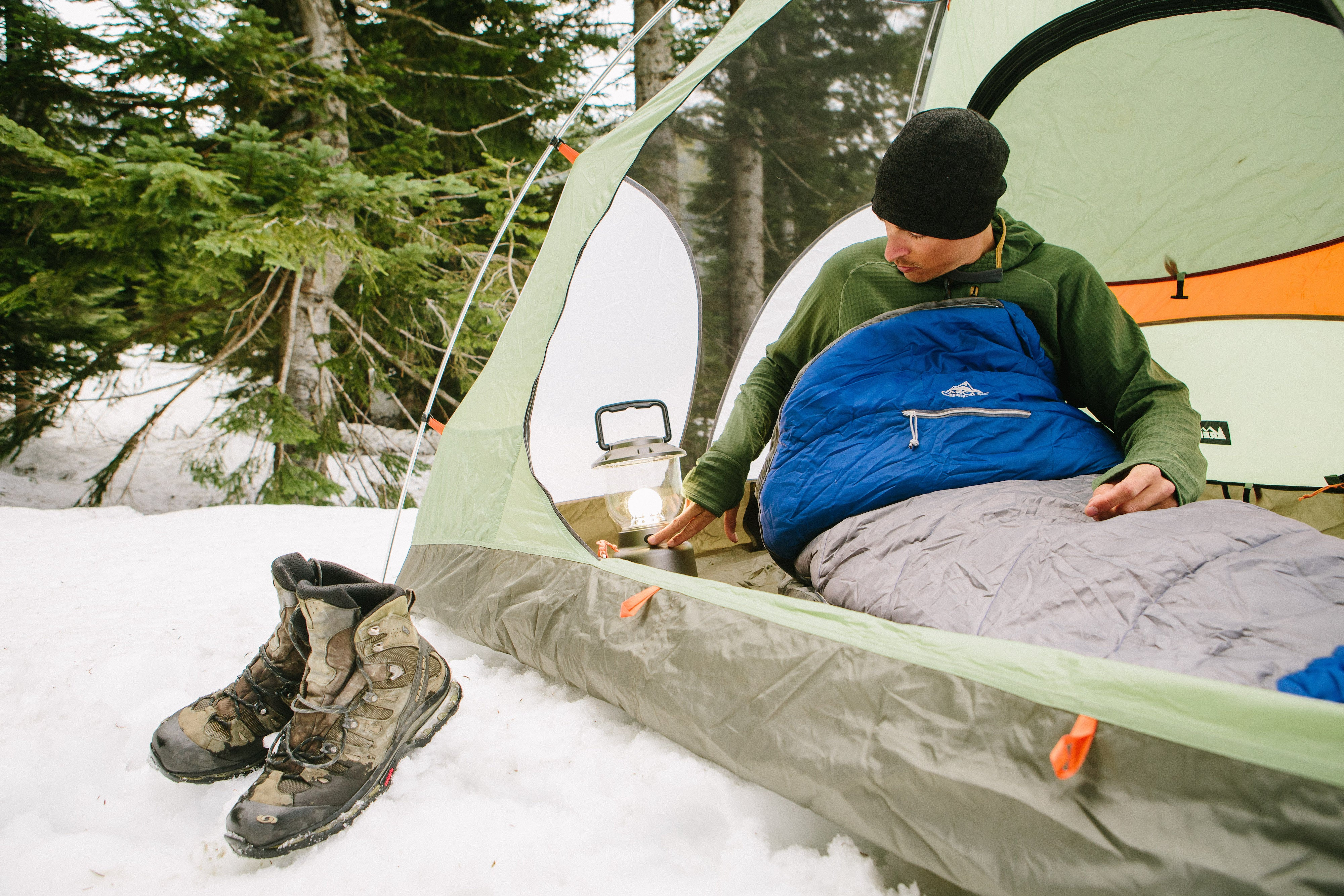 Winter Camping 101: How to Camp in the Snowy Months - Snow Camping