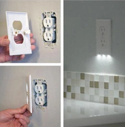OUTLET WALL PLATE WITH LED NIGHT LIGHT
