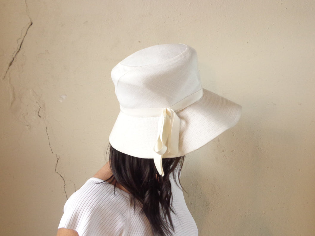 50s solid white sun hat | size 20.5