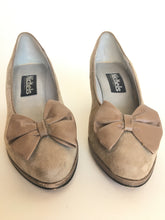 Taupe suede pumps • 7 1/2 AA