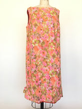60s pink floral shift dress • Medium