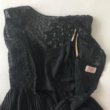 1960s Carlye Cocktail LBD • Medium/small