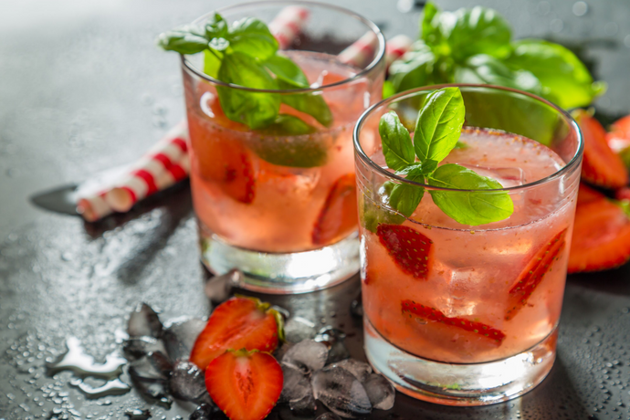 Cocktail: Strawberry Basil Bourbon Lemonade