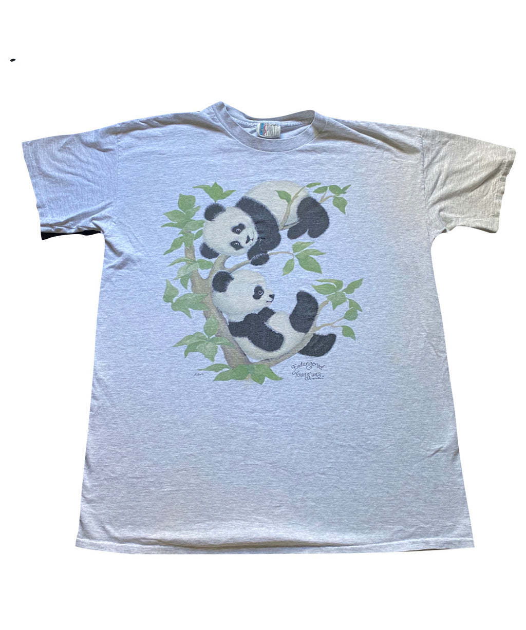 90s Endangered youngins panda tee. XL