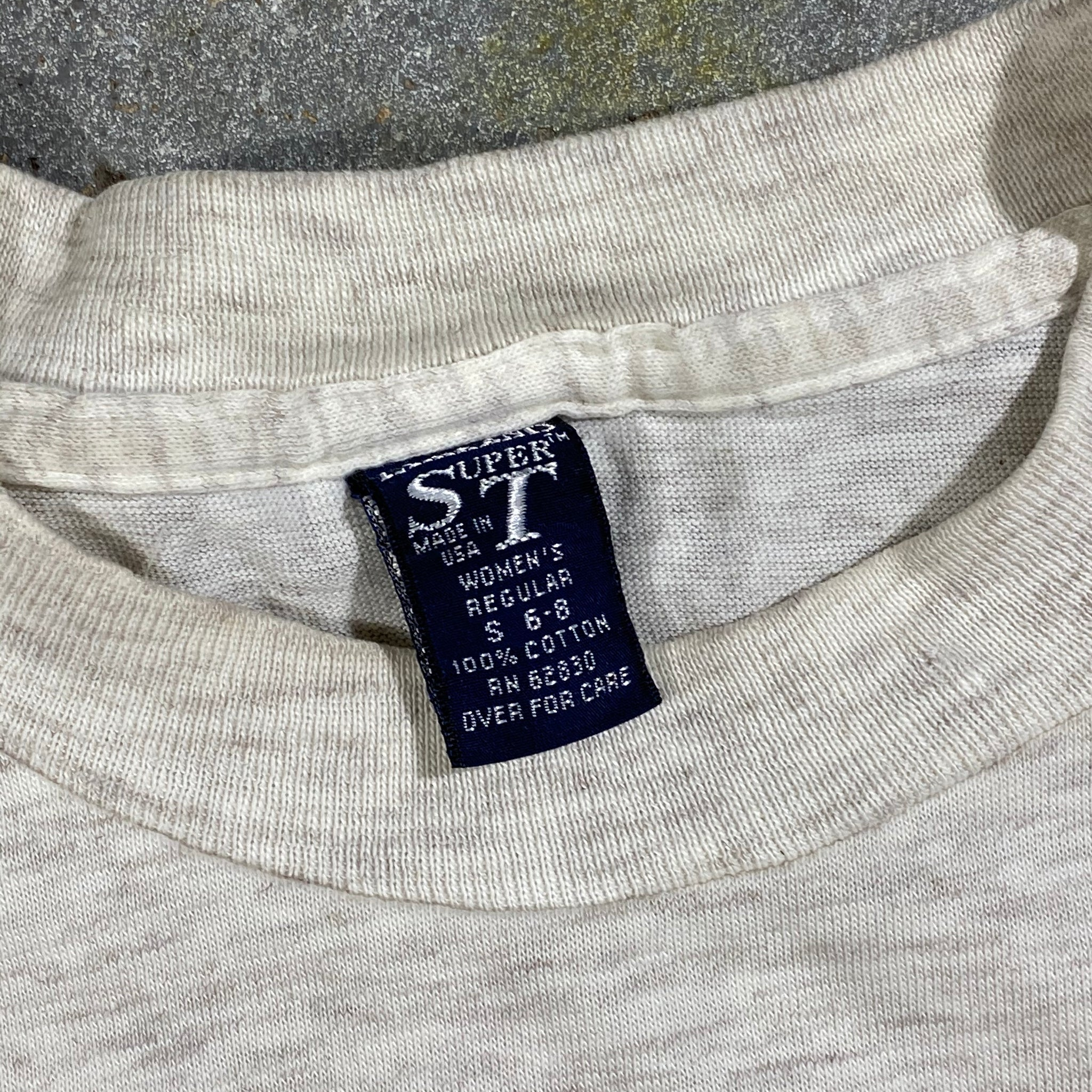 Lands end super tee. long sleeve. pocket. Made in usa🇺🇸. Xs fit