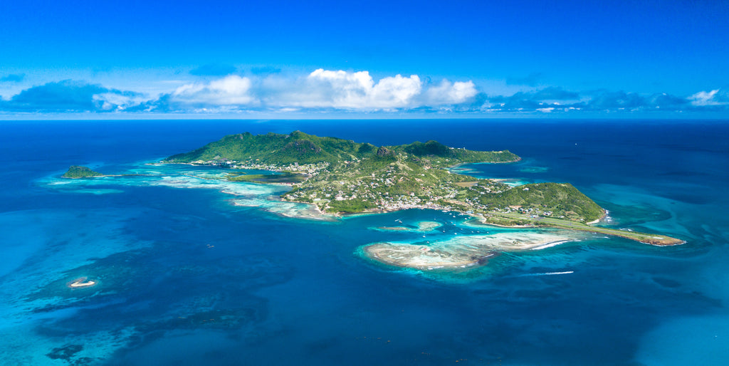 10 REASONS WHY YOU SHOULD LIVE ON A CARIBBEAN ISLAND