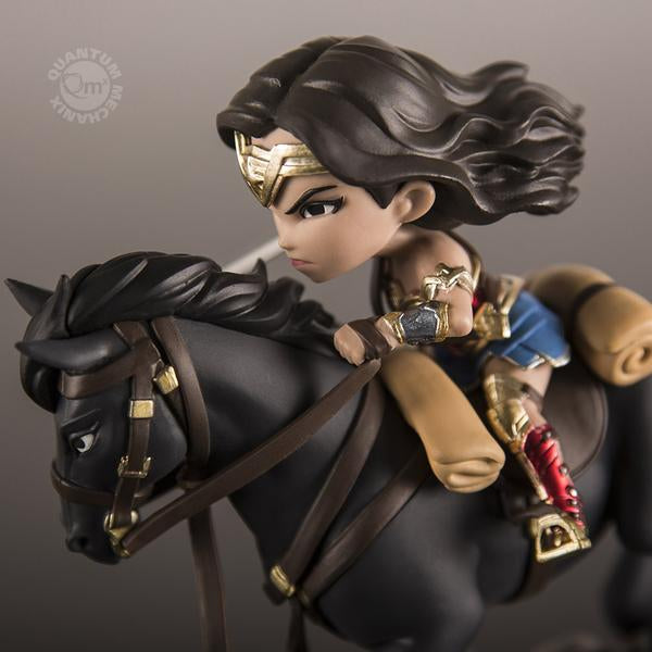 "Quantum Mechanix Q-Fig Max DC Comics Wonder Woman ""Rides Into Battle"" Vinyl Figure"