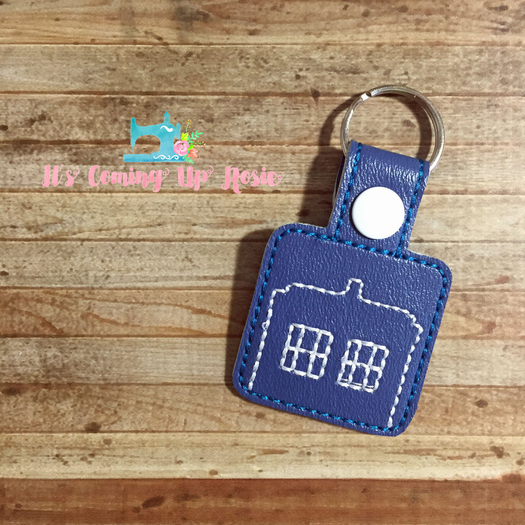 Dr. Who Tardis Square Keychain