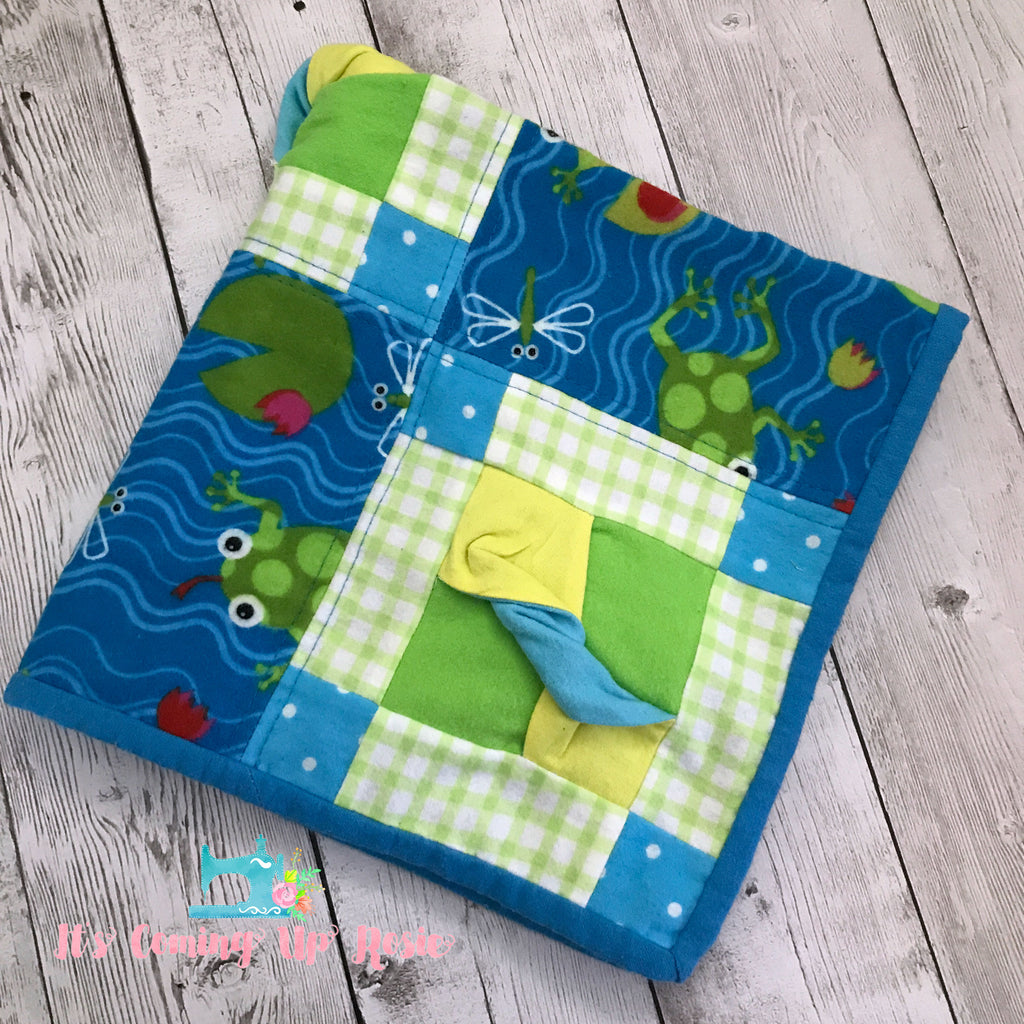 Cuddle Quilt - Frogs