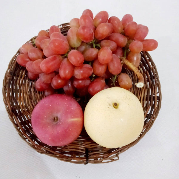 Fruit Tray Set B:Included Grapes 500g and 1 each of Apple,Pear,Tray (per set) Homegrown: Fresh Food, Groceries, Plants and More!